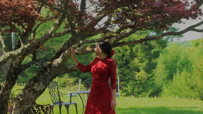 A RED LACE GOWN AND A WEDDING IN THE COUNTRY