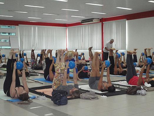 30_-_Iso_Stretching_-_exerc..jpg