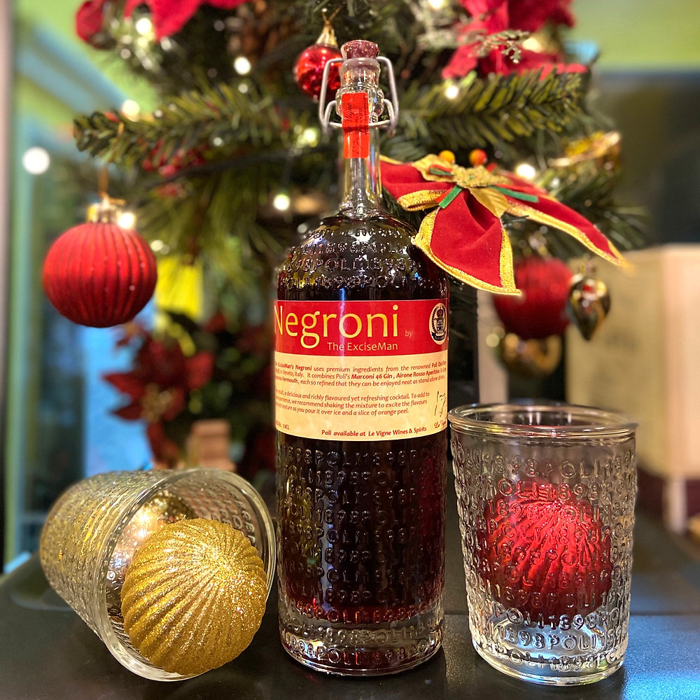 Merry Christmas and Happy New Year with a delicious Negroni!