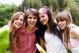 Les étudiants adolescents déménagement