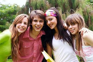 Los estudiantes adolescentes