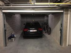 Garage met voldoende plaats voor wagen en andere zaken (fietsen, zakken,...)
