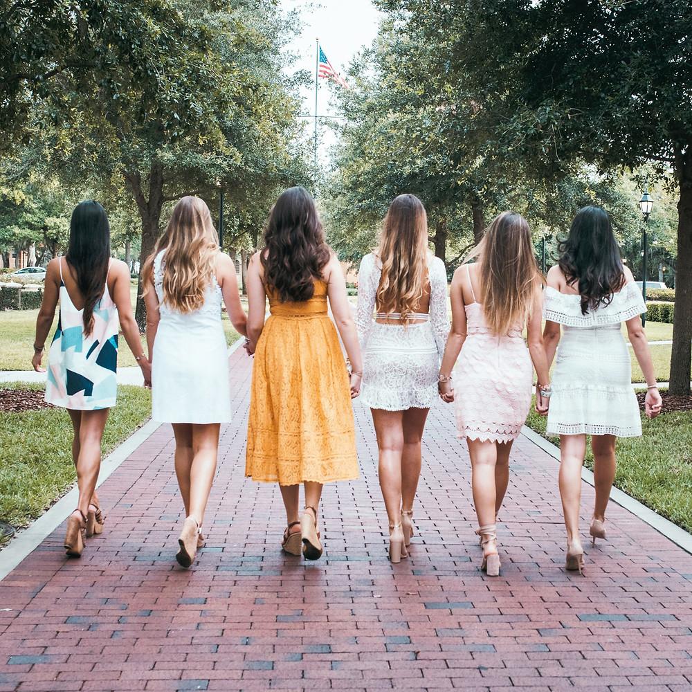 girls getaway group trip destination New York City Breakfast at Tiffany's