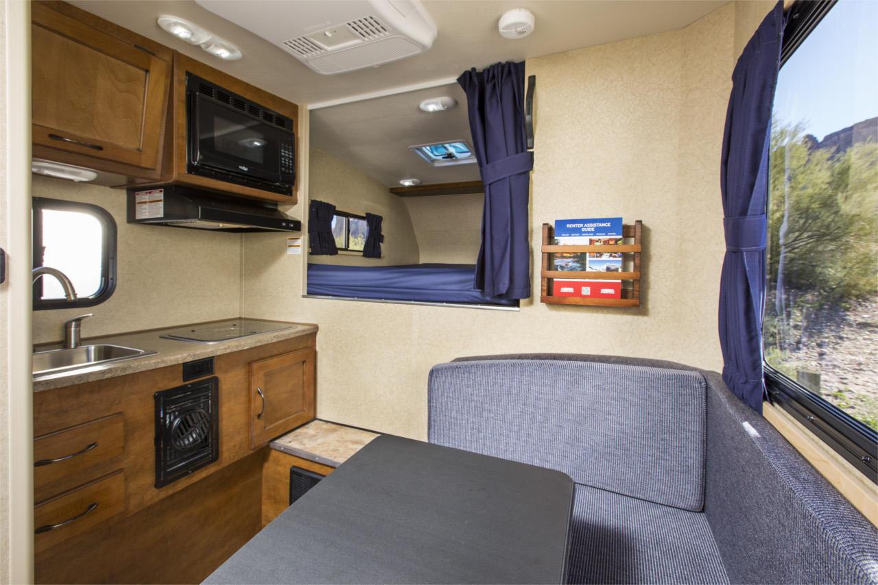 vista interna - T17 Truck Camper