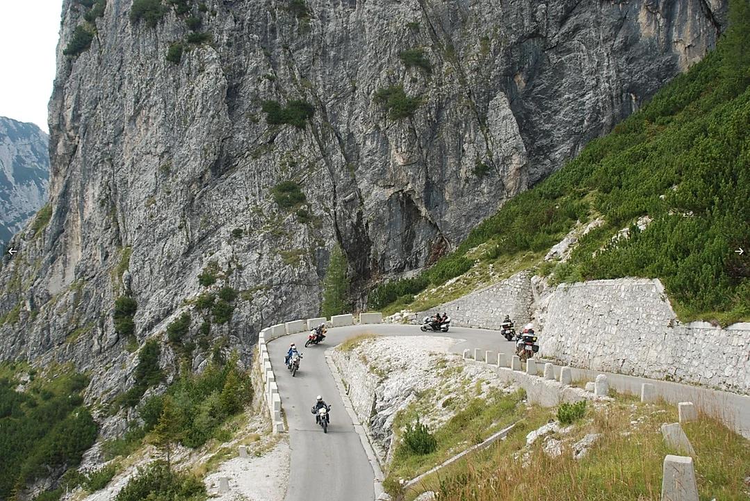 viagem de moto Alpes