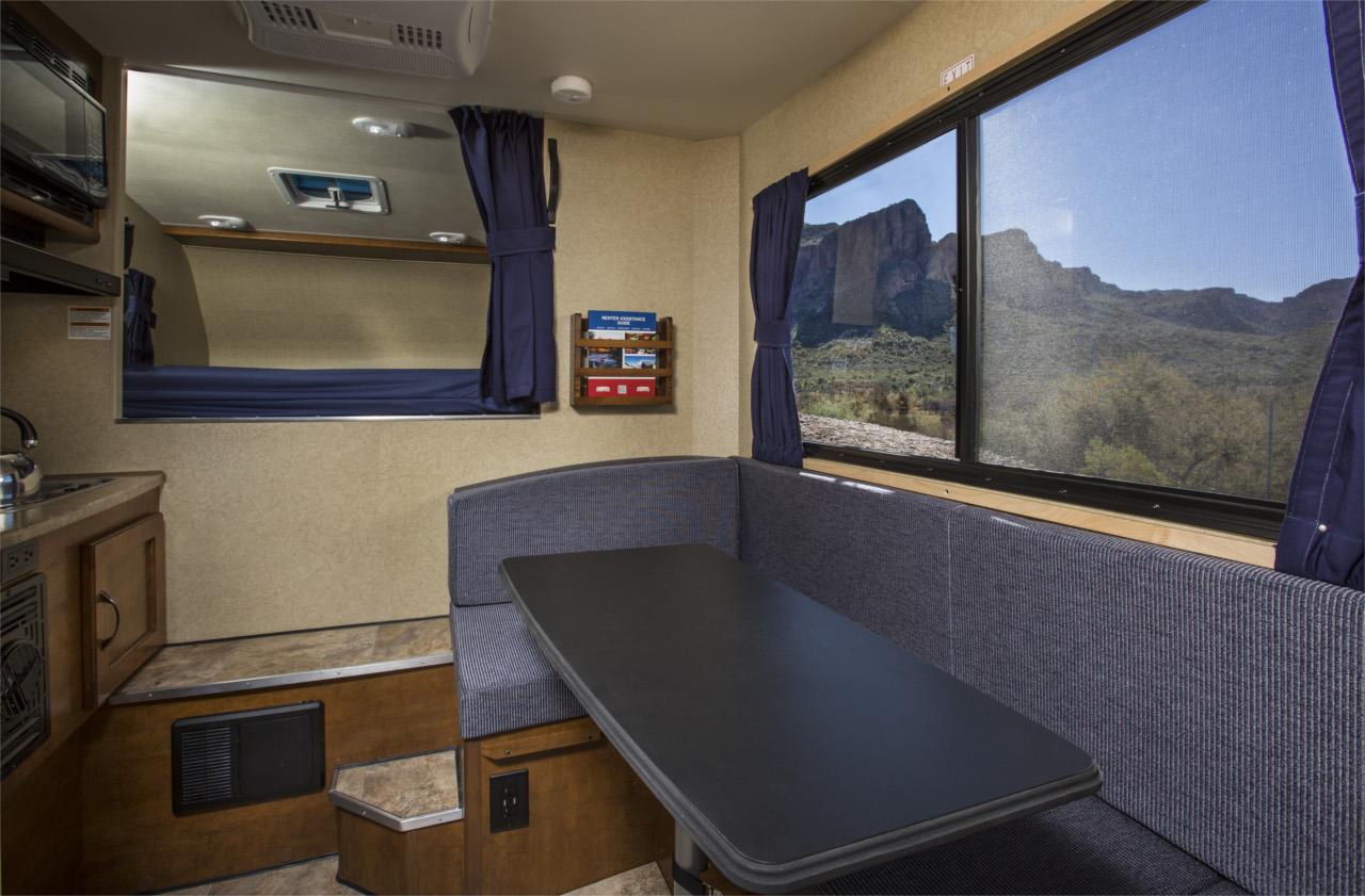vista interna janela 2 - T17 Truck Camper