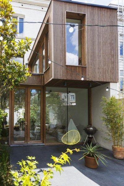 Le bois : apprécié pour son aspect naturel et ses performances thermiques et   acoustiques. De plus, il est très abordable. -> 1200 - 1800 € TTC/m2