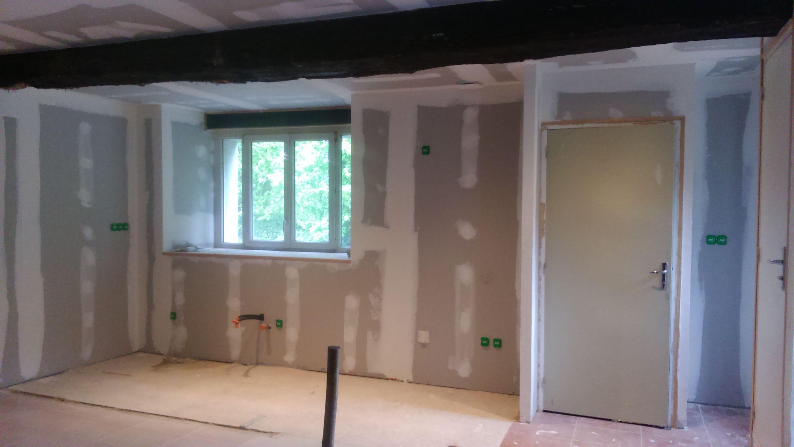 Rénovation d'une maison de campagne avec un style bohème et spacieux (during)