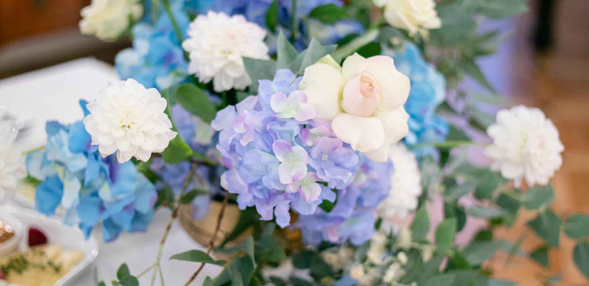 Цветы на президиум
