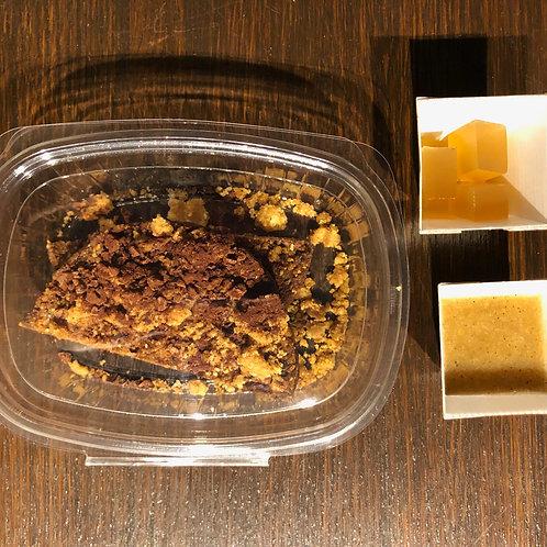 Sbrisolona al cioccolato e pere affumicate