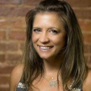 "MF 189 : Moving Forward with Entrepreneurship and ""Moxie,"" with Laura Gaworecki"