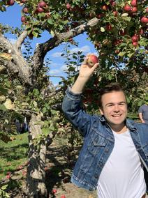 Will found an apple!