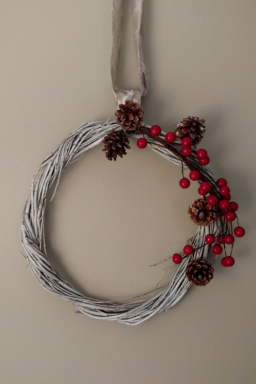 Berry & White Wreath Large