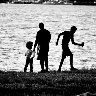 Family by the Hudson