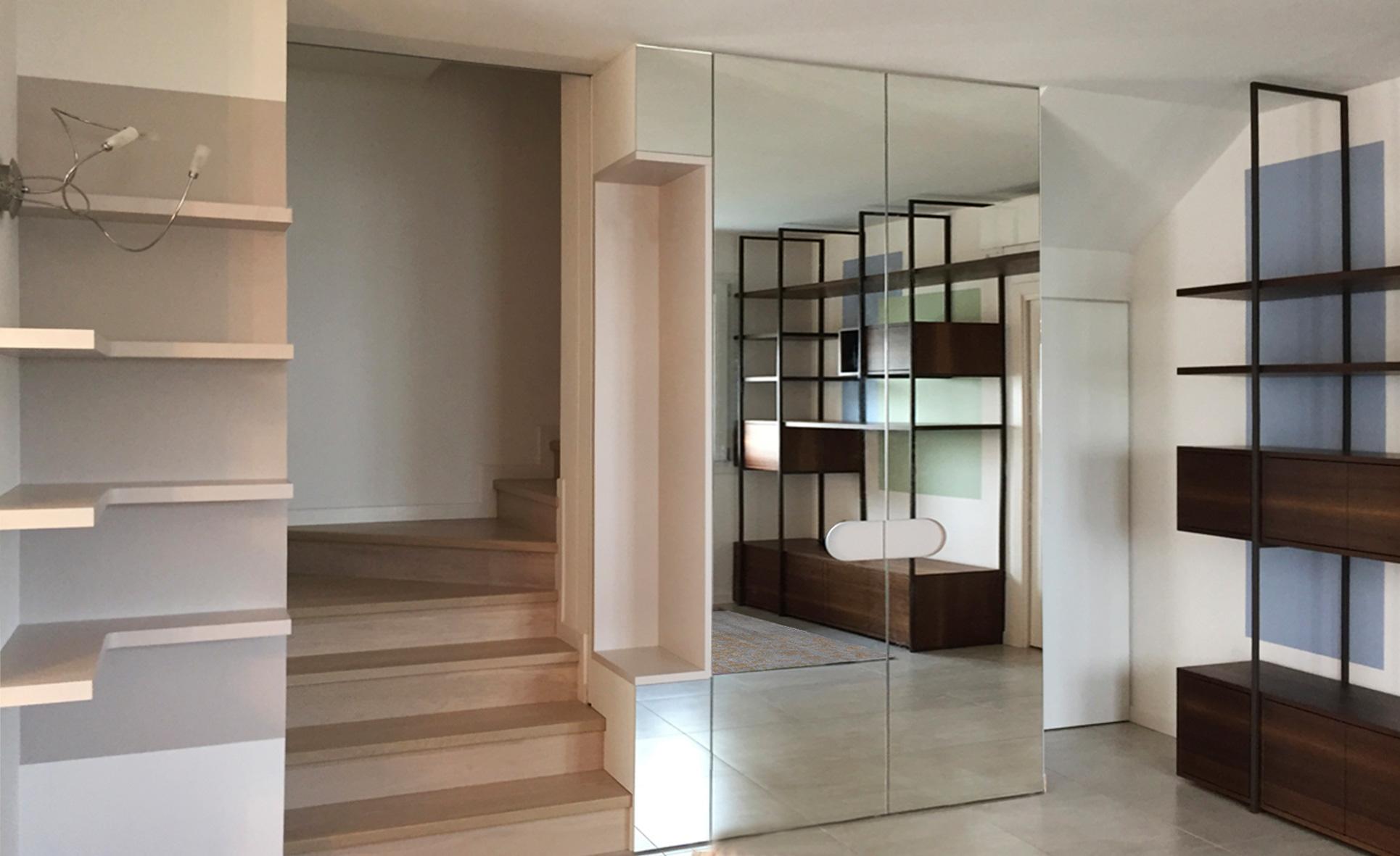 guardaroba specchio lato scale
