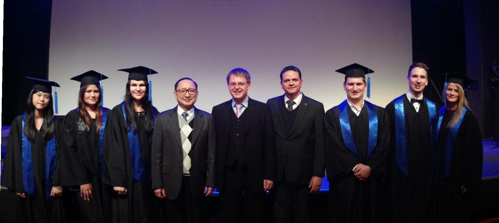 第一屆HsKA畢業典禮:三校主任與畢業生合影