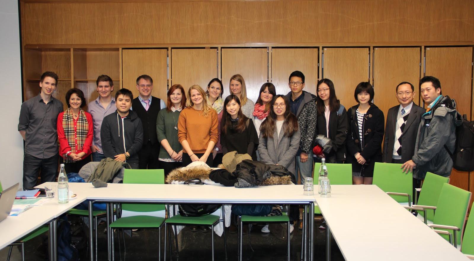 三校主任與第一屆跨洲學程學生合影