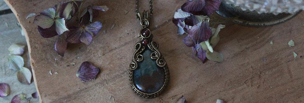 ~Lunaria~ Collier wire bronze en Agate mousse et perles de Grenat