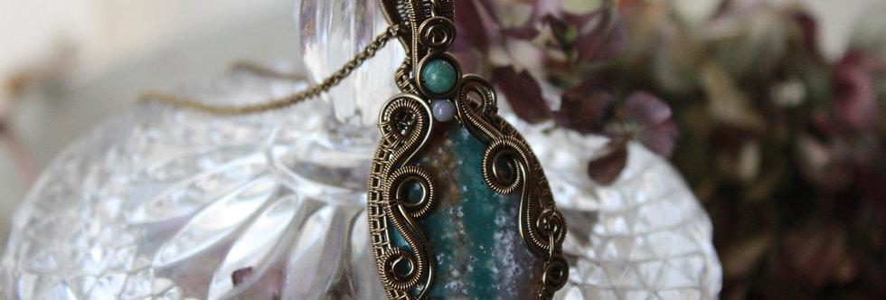 ~Cyclamen~ Collier wire bronze en Bloodstone bleu/rosé