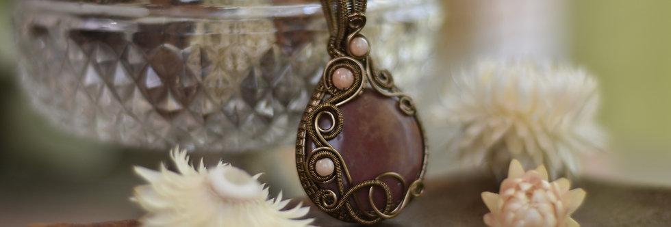 ~Matthiola~ Collier wire bronze rond en Héliotrope et perles d'agat