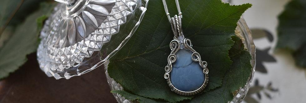 ~Limodore~ Collier wire Argenté en Opale Bleue goutte