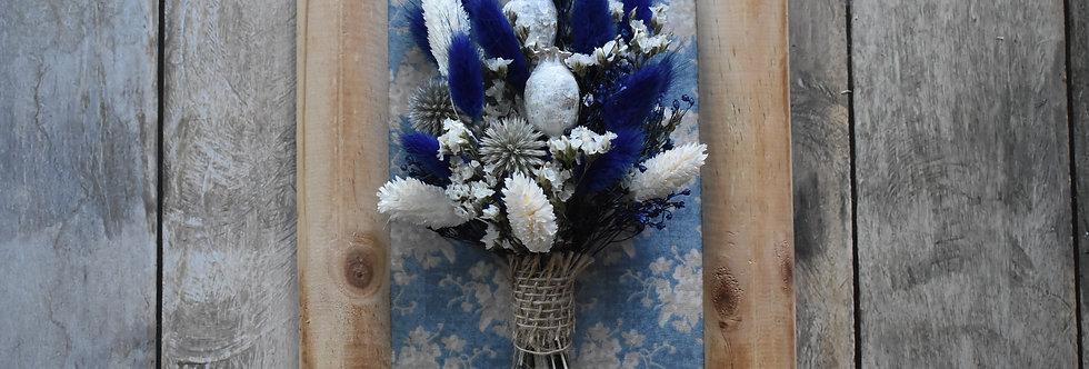 ~Dans les Nuages~ Cadre décoratif en bois et fleurs séchées bleu et blanche