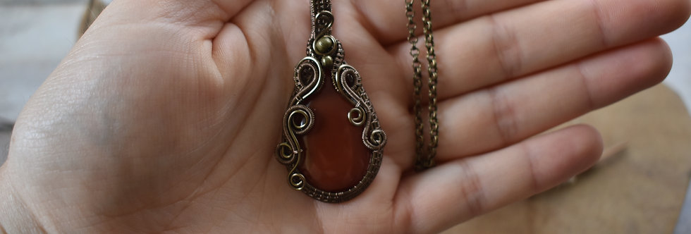 ~Liane Aurore~ Collier wire bronze en Pierre teinté orange vermillon