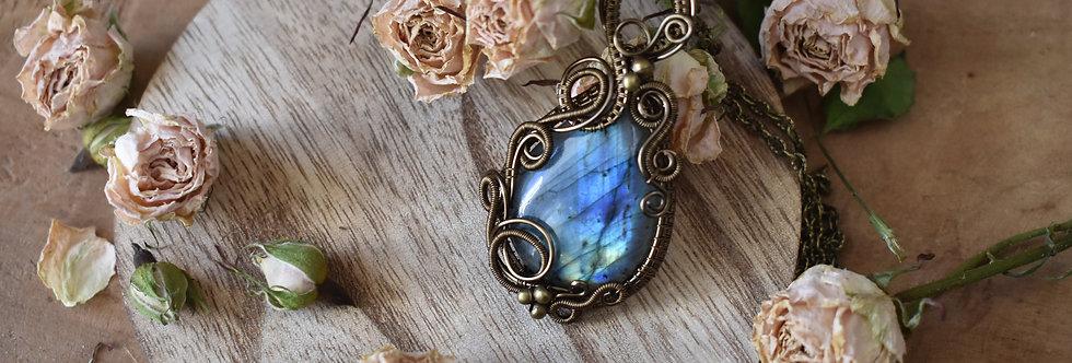 ~Pervenche~ Collier wire bronze en Labradorite goutte bleu