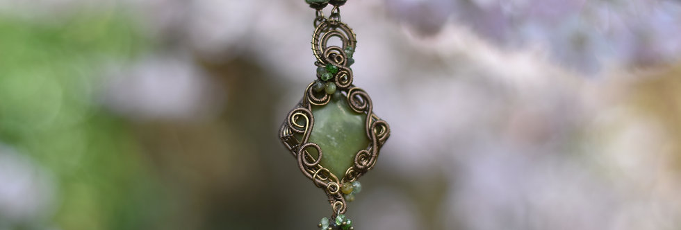 ~Imprérial Celtis  ~ Collier wire bronze En Serpentine