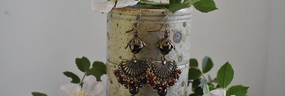 ~Nymphe~Longue Boucles d'oreilles Bronze Perles de Grenat