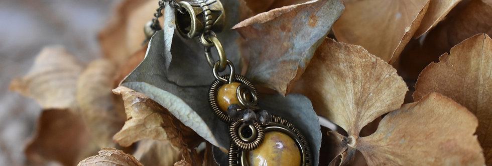 ~Little-Hwind~ Pendentif wire Bronze et Perles de Corail fossilisé