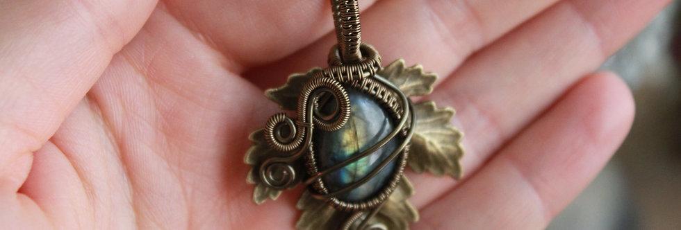 ~Athélas~ Pendentif Feuille Bronze et wire Bronze en Labradorite vert/doré