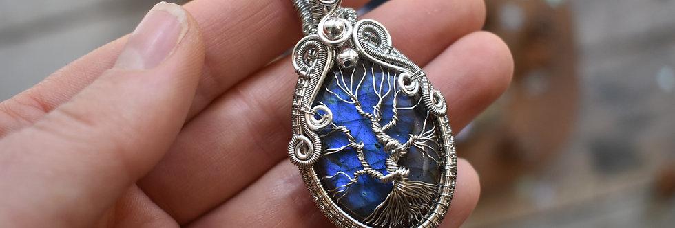 ~Magnolia~ Collier wire Argenté  Arbre de vie en Labradorite bleu