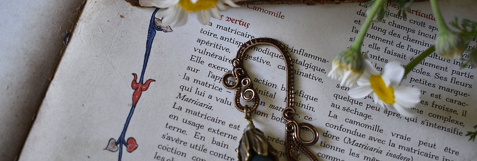 ~Little Mirdan ~ Marque-pages wire Bronze et Fleurs et agate vert