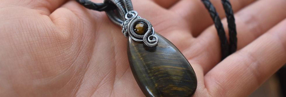 Collier Homme wire Gris Anthracite en Oeil de Faucon en forme de goutte