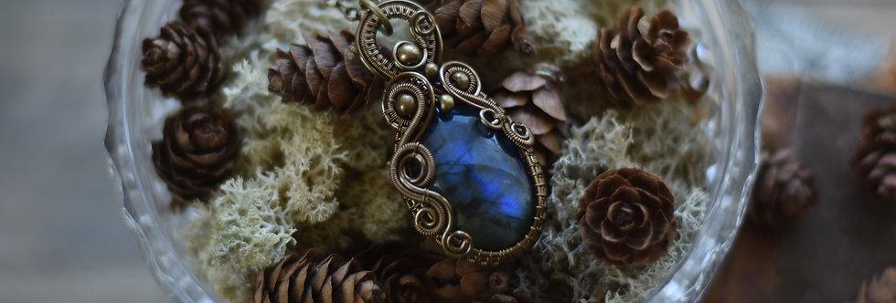~Bleu Glacial~ Collier wire bronze en Labradorite bleu nuit