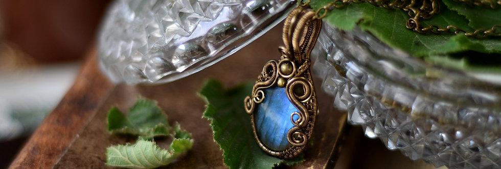~ Vanda Blue ~ Collier wire bronze en Labradorite bleue et perles métal