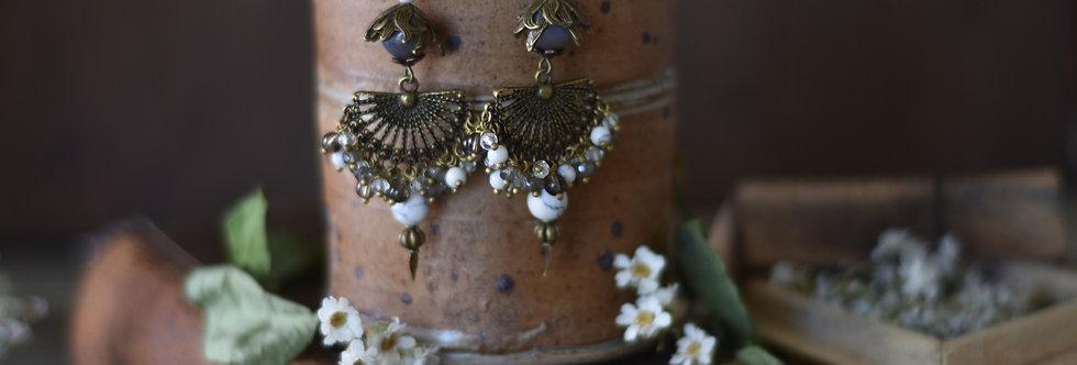 ~Nymphe~Longue Boucles d'oreilles Bronze et Couleur blanc et gris