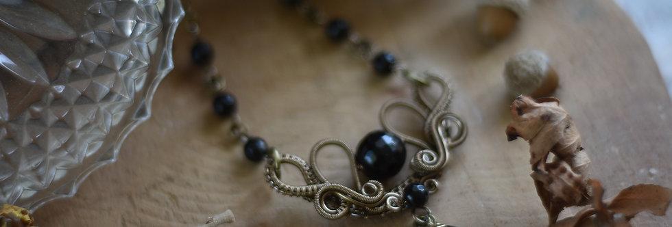 ~Fleurs d'Iris~ Collier wire bronze et perle d'Onyx facettées
