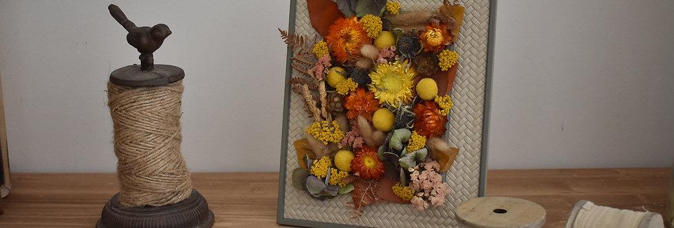 ~Intemporel~ Cadre décoratif en bois gris beige et fleurs couleurs automnale