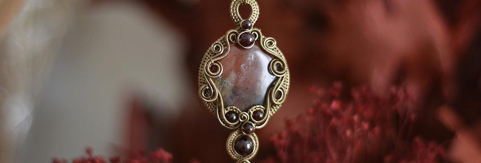 ~Le miroir de l'âme ~ Collier wire bronze en  Héliotrope ronde