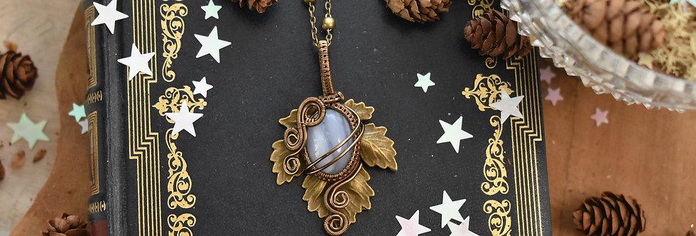 ~Athélas~ Pendentif Feuille Bronze et wire Bronze en Calcédoine