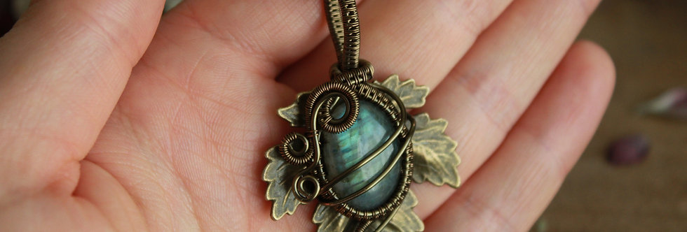 ~Athélas~ Pendentif Feuille Bronze et wire Bronze en Labradorite