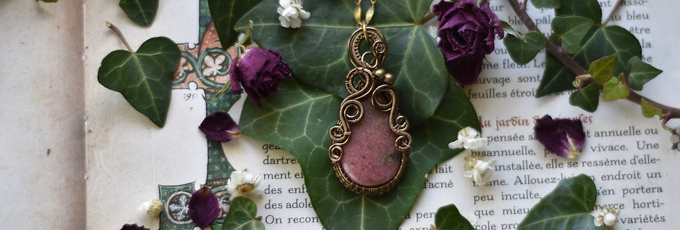 ~Orchis ~ Collier wire bronze en Rhodonite