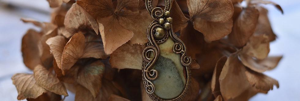 ~Onagre~ Collier wire bronze en Jaspe Polychrome et perles métal