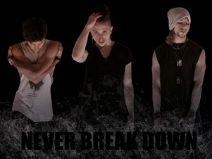 "NEVER BREAK DOWN, Sabato 13 Gennaio  ore 14:30   ""ViVOLiVE ""  TRS Radio"