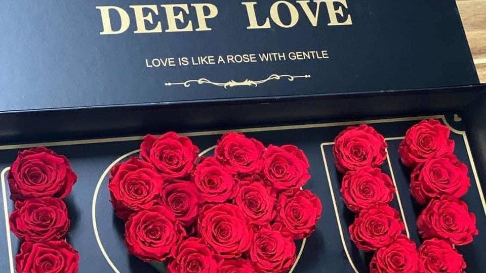 """""""I Love U Mom"""" Rose Box"""