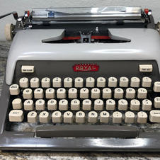 1958 Royal Futura 800 - $115