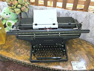 Awesome Underwood Typewriter