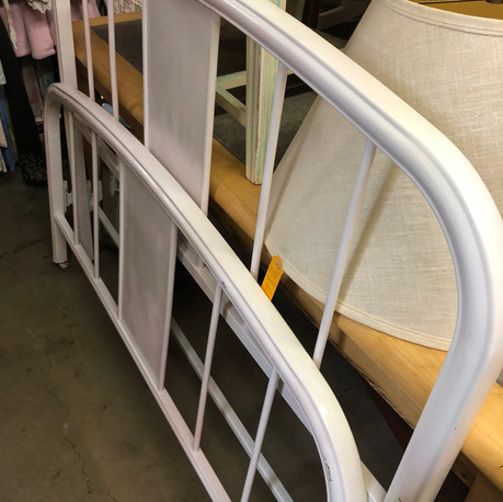 White Metal Full Size Bed - Vendor #1 - $85